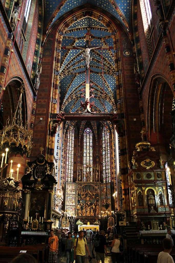 Interior Basílica de Santa María (Cracovia)