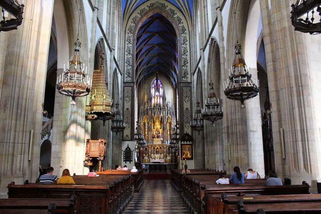 Interior de la Basílica de la Santa Trinidad (Cracovia)