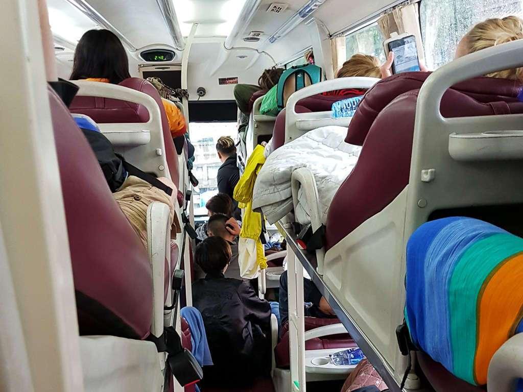 Interior de un bus cama de Vietnam