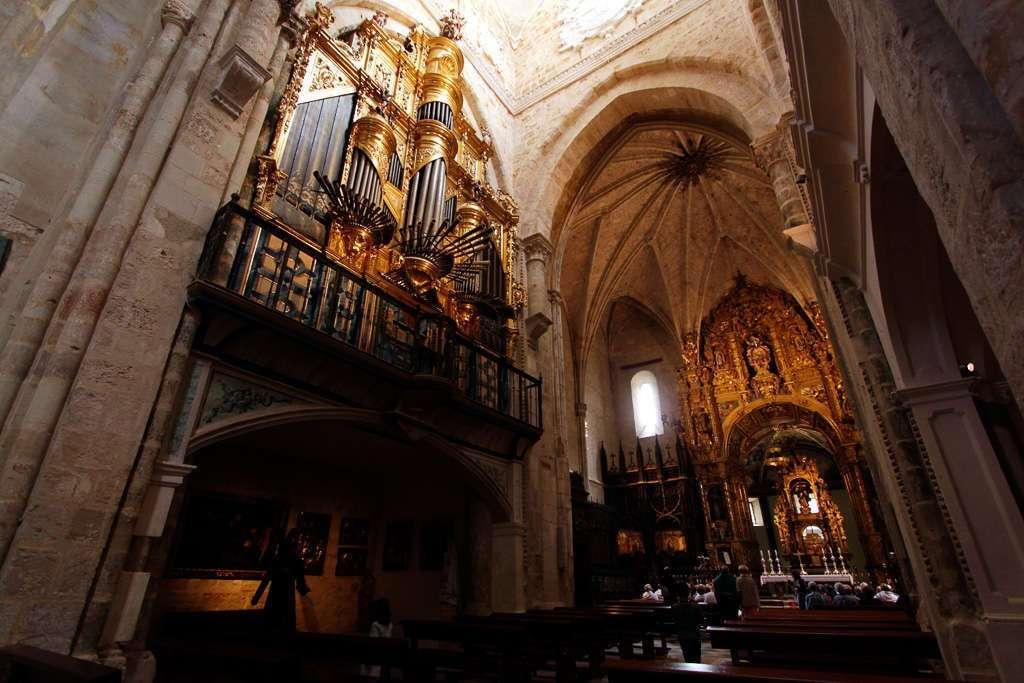 Vista general de la Iglesia Abacial de San Salvador de Oña
