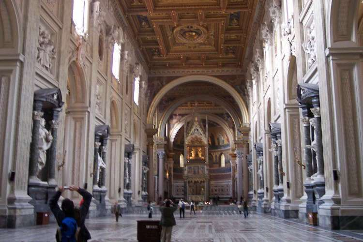 Interior de San Giovanni in Laterano