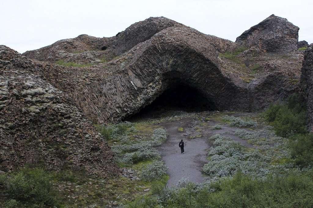 Hljóðaklettar, las rocas resonantes o del eco