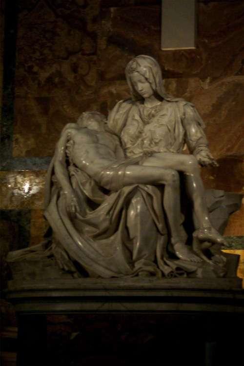 La Pietà de Miguel Ángel (San Pedro)