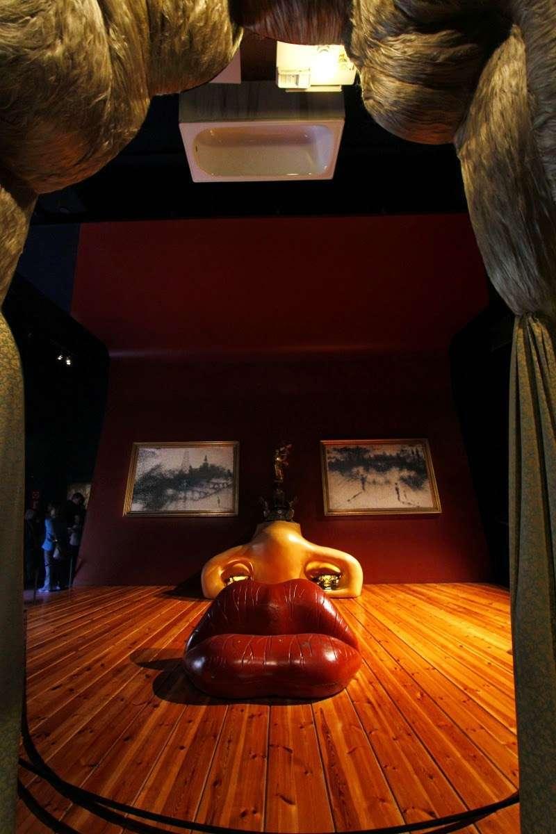 Sala Mae West en el Teatro-Museo Dalí (Figueras)