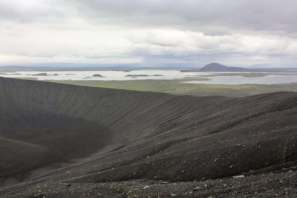 Vistas del lago Mývatn desde lo alto del volcán Hverfjall