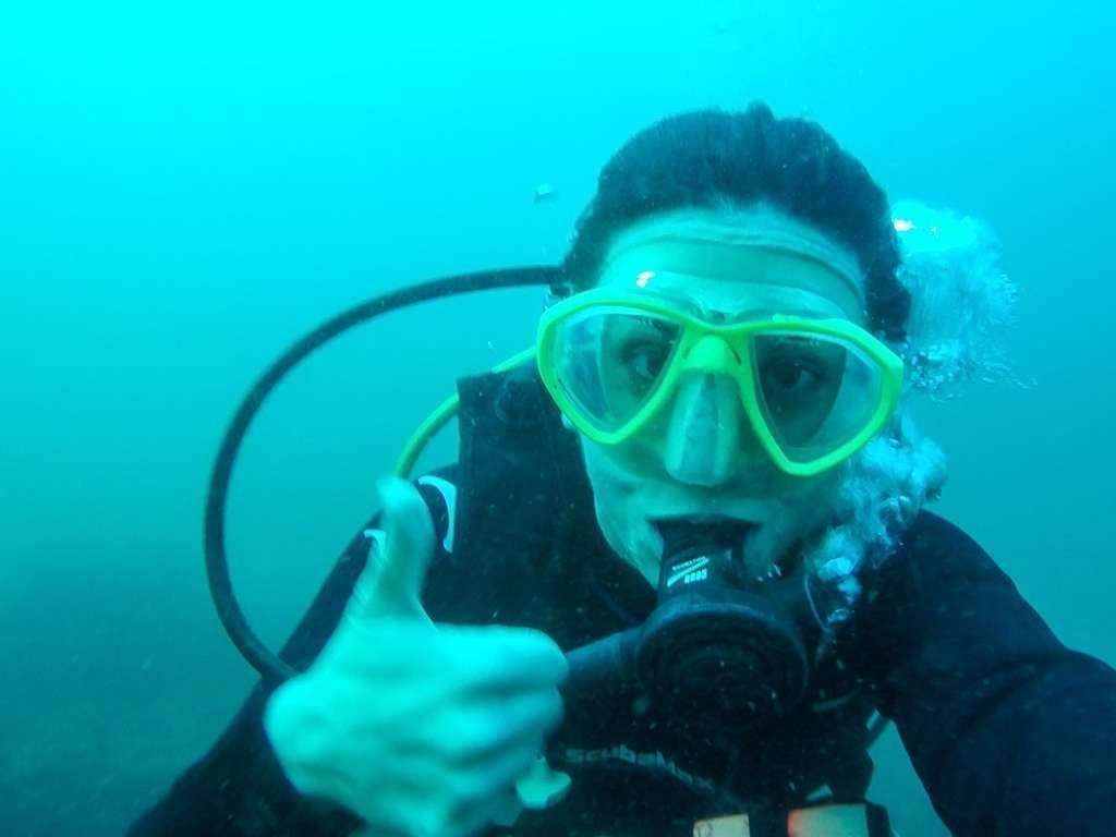 Lena buceando en el Pacífico de Costa Rica