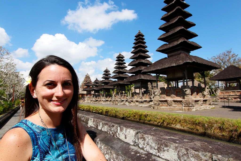 Lena con los merus de Taman Ayun (Bali)