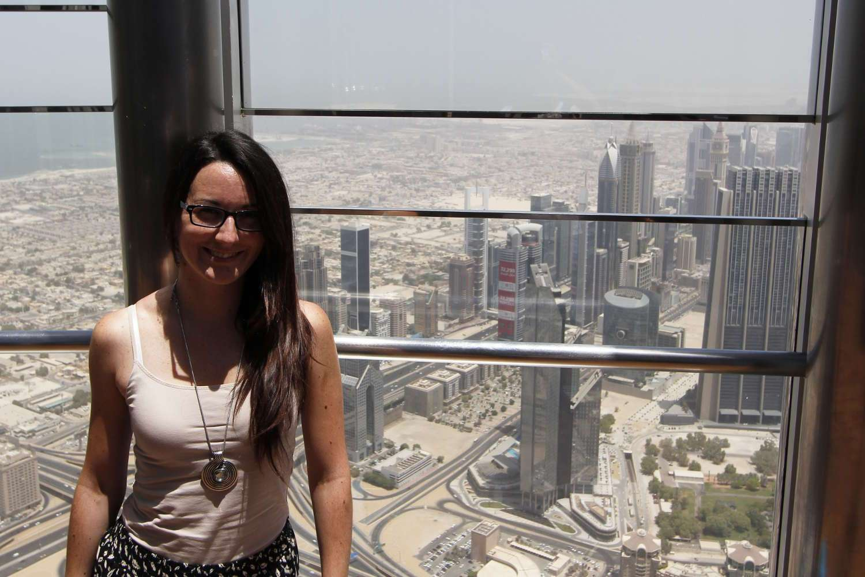 Lena en la terraza del Burj Khalifa