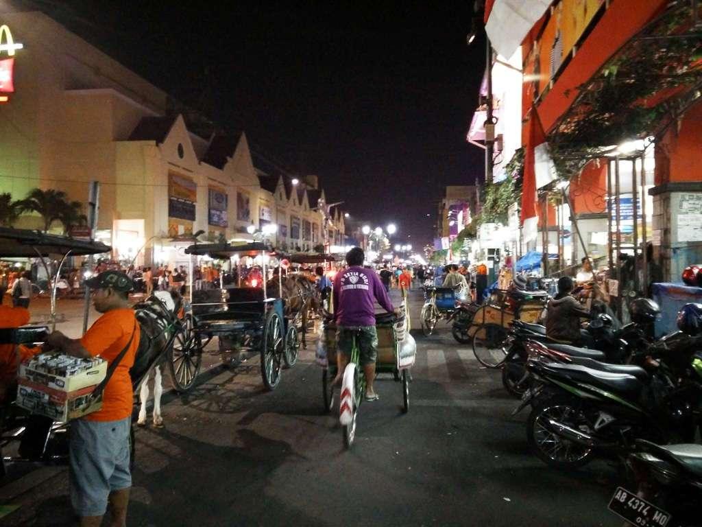 Calle Malioboro street en Yogyakarta