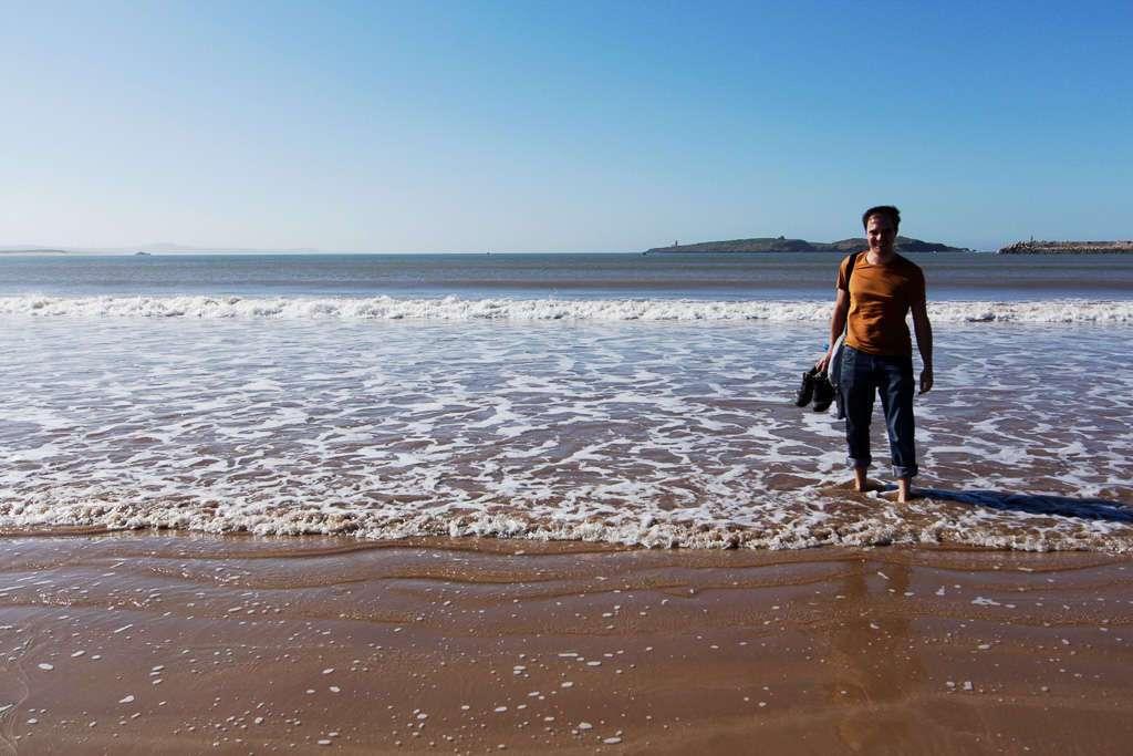 Alberto en la playa de Essaouira
