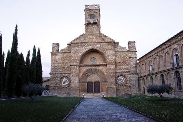 Monasterio de Santa María de la Oliva
