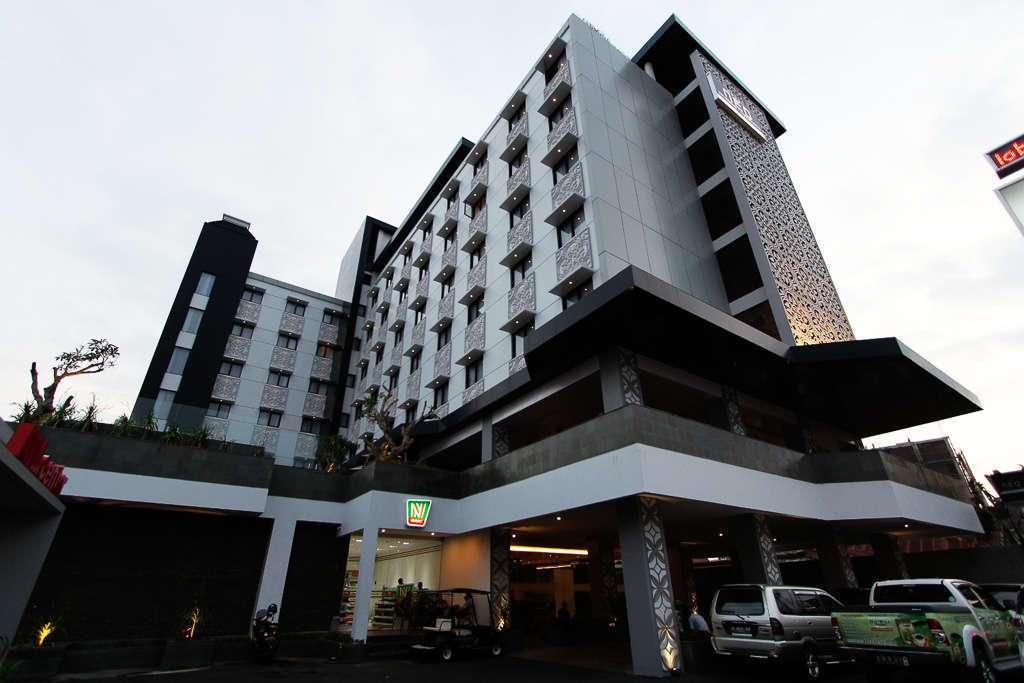 Fachada del hotel Neo Malioboro