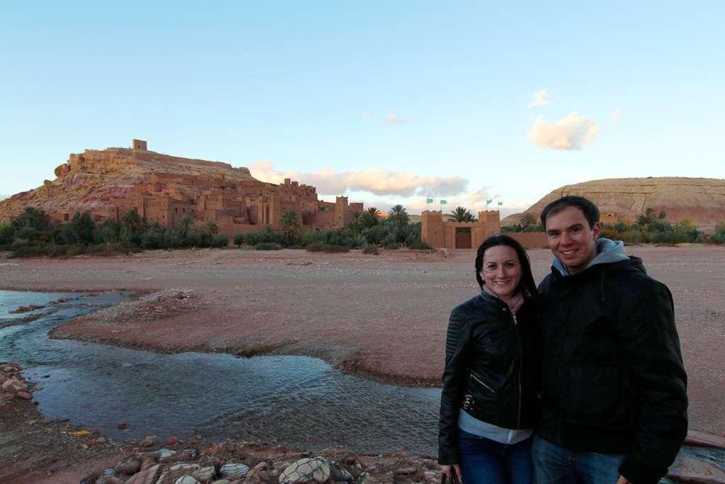 Nosotros frente a la Kasbah de Aït Ben Haddou