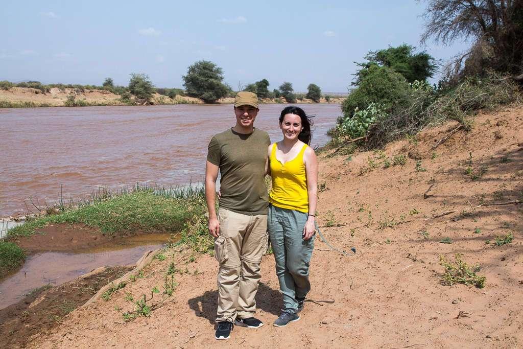 Nosotros a las orillas de un río en Samburu