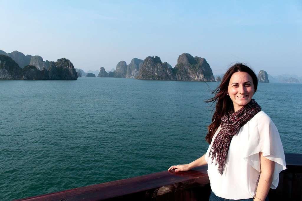 Las vistas de la bahía de Halong desde el barco