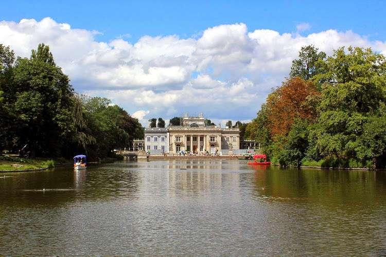 El Palacio de la Isla en el parque Łazienki (Varsovia)