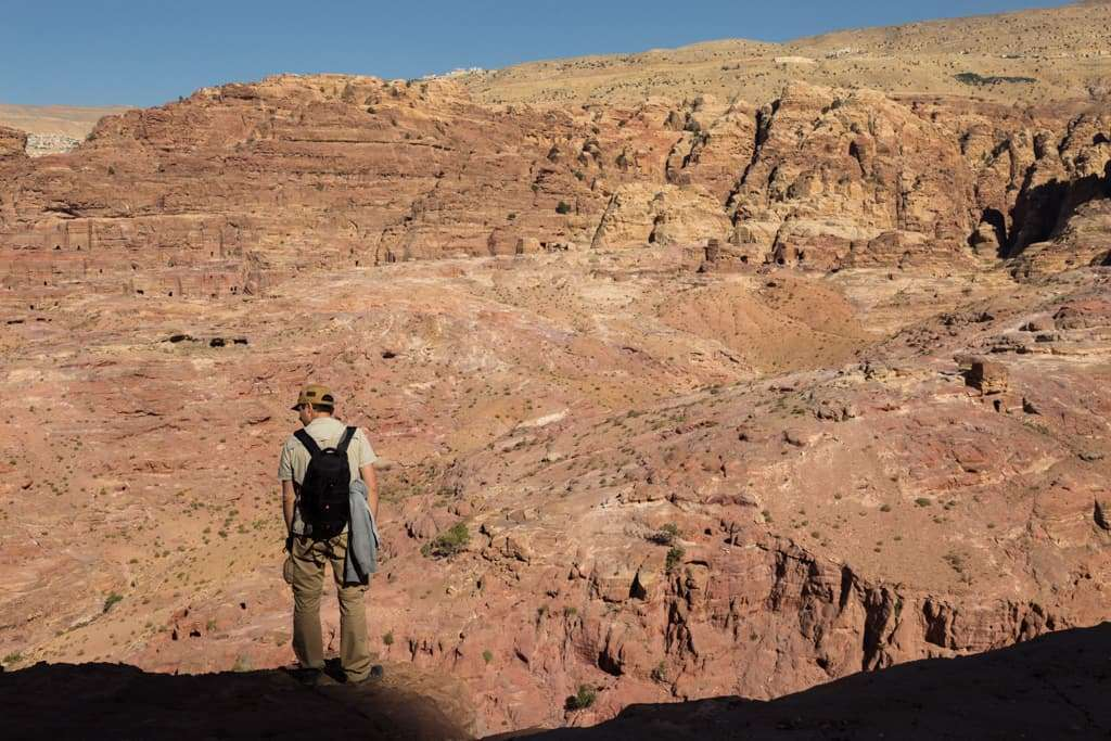 Vistas subiendo por la ruta Umm al-Biyara