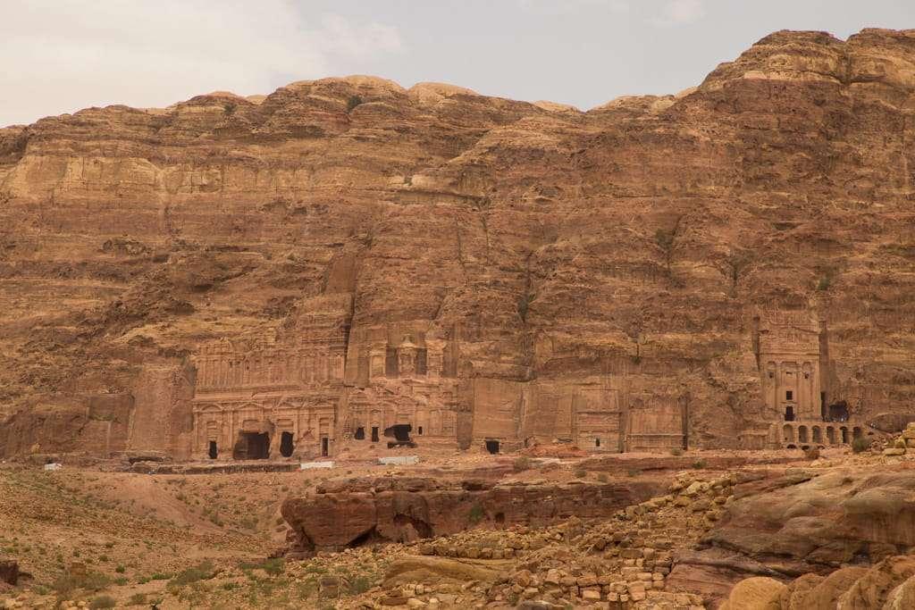 Panorámica de las tumbas reales de Petra, Jordania