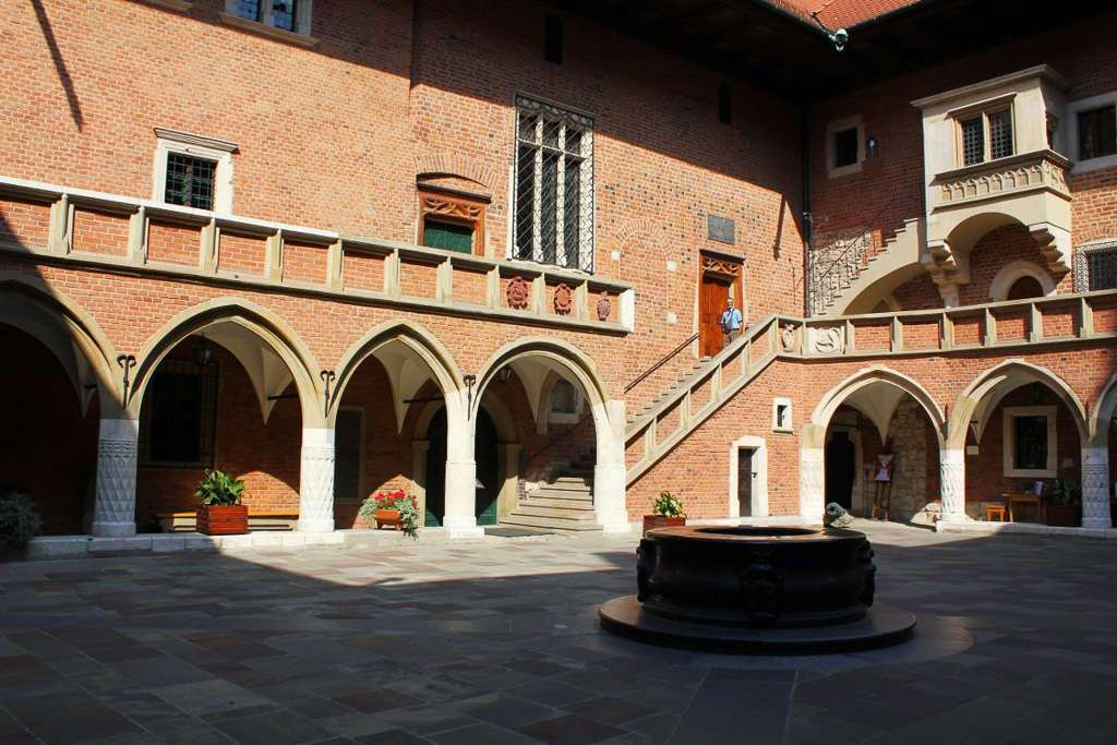 Patio interior del Collegium Maius (Cracovia)