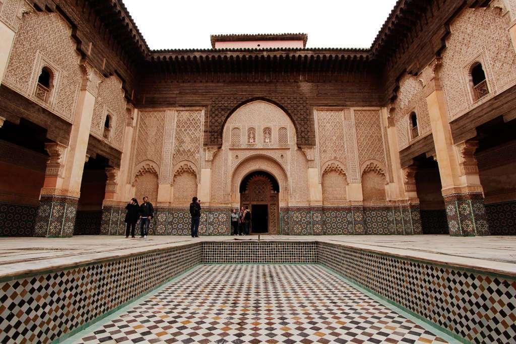 Vista general del patio interior de la Madrasa Ali Ben Youssef
