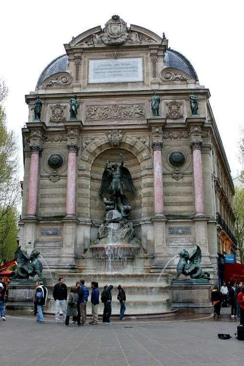 Plaza Saint Michel (Barrio Latino)