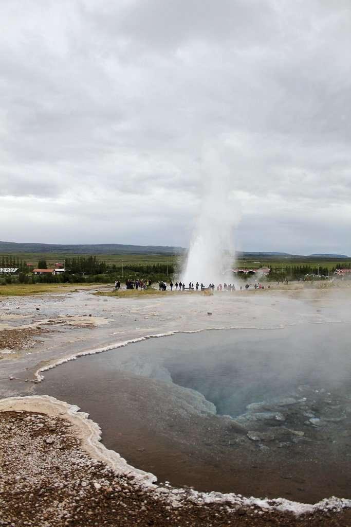 Poza de agua caliente cerca de Geysir