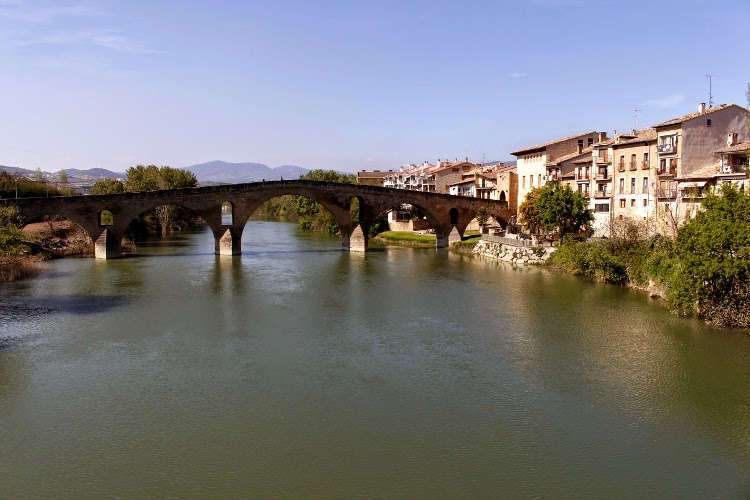 Puente románico en Puente la Reina