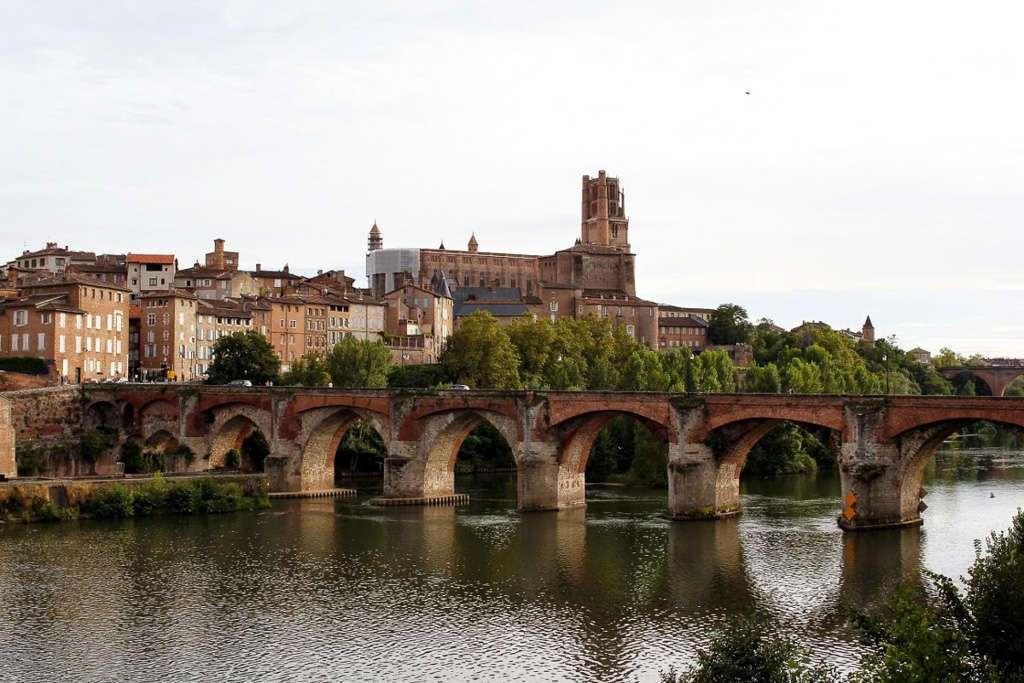 Puente viejo y Catedral de Santa-Cecilia (Albi)