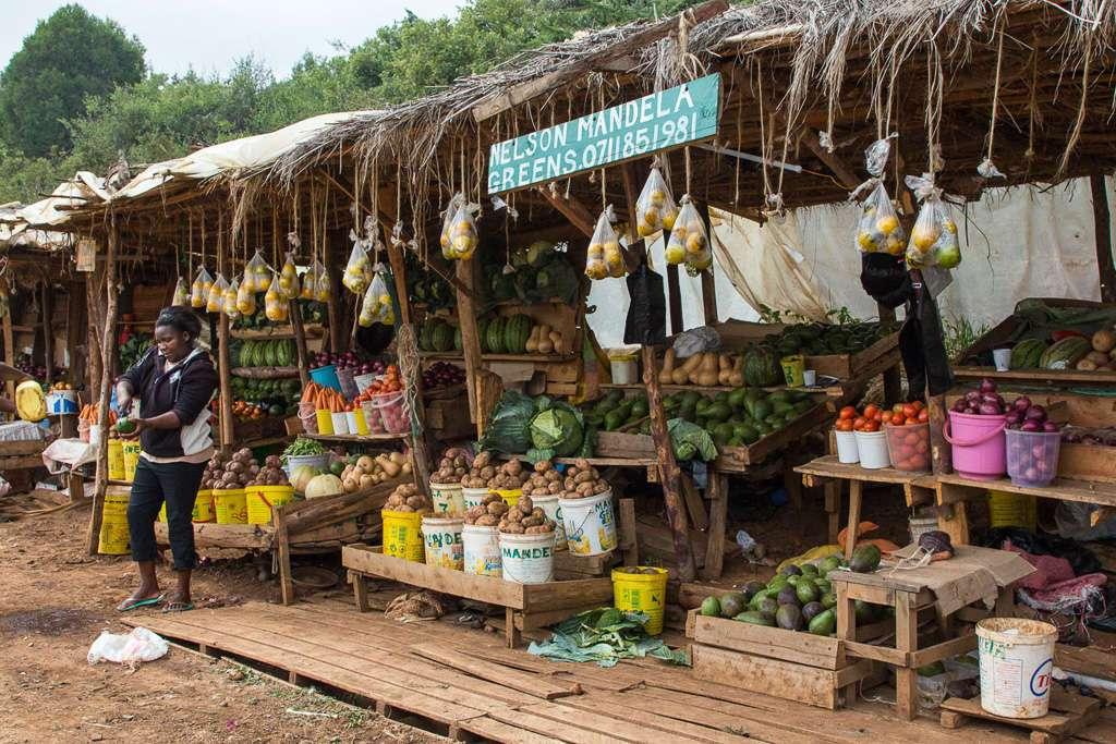 Mercado de frutas y verduras en Kenia
