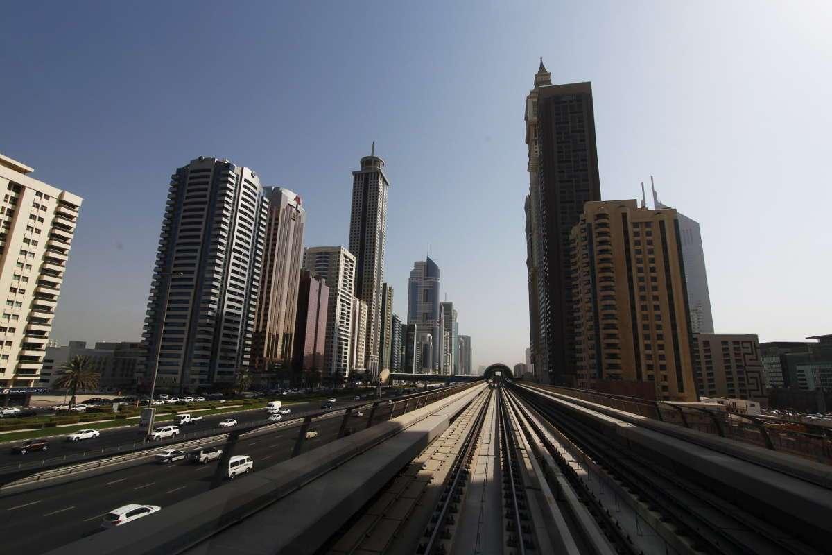 Dubai desde el metro