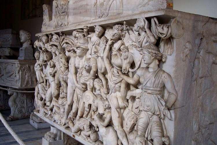 Relieves en un sarcófago (Museos Vaticanos)