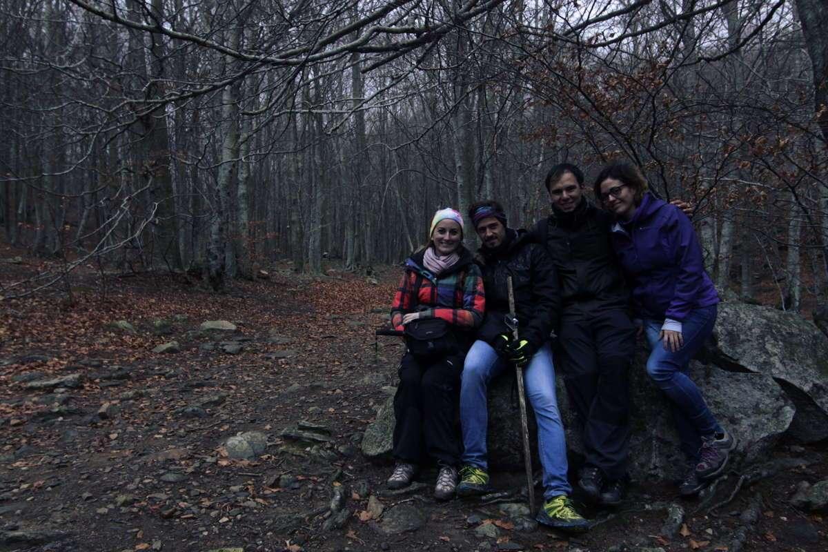 Foto de grupo en la ruta de Turó de l'home en el Parque Natural del Montseny
