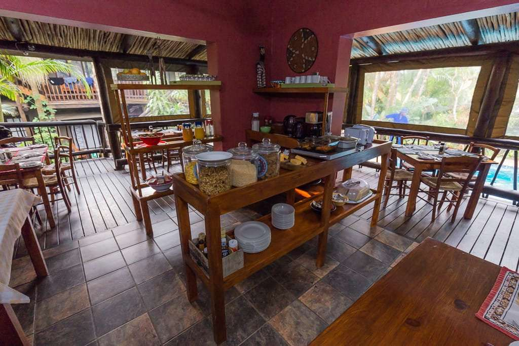 Sala de desayuno del Umlilo Lodge, St. Lucía, Sudáfrica