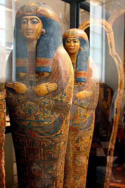 Sarcófagos egipcios (El Louvre)