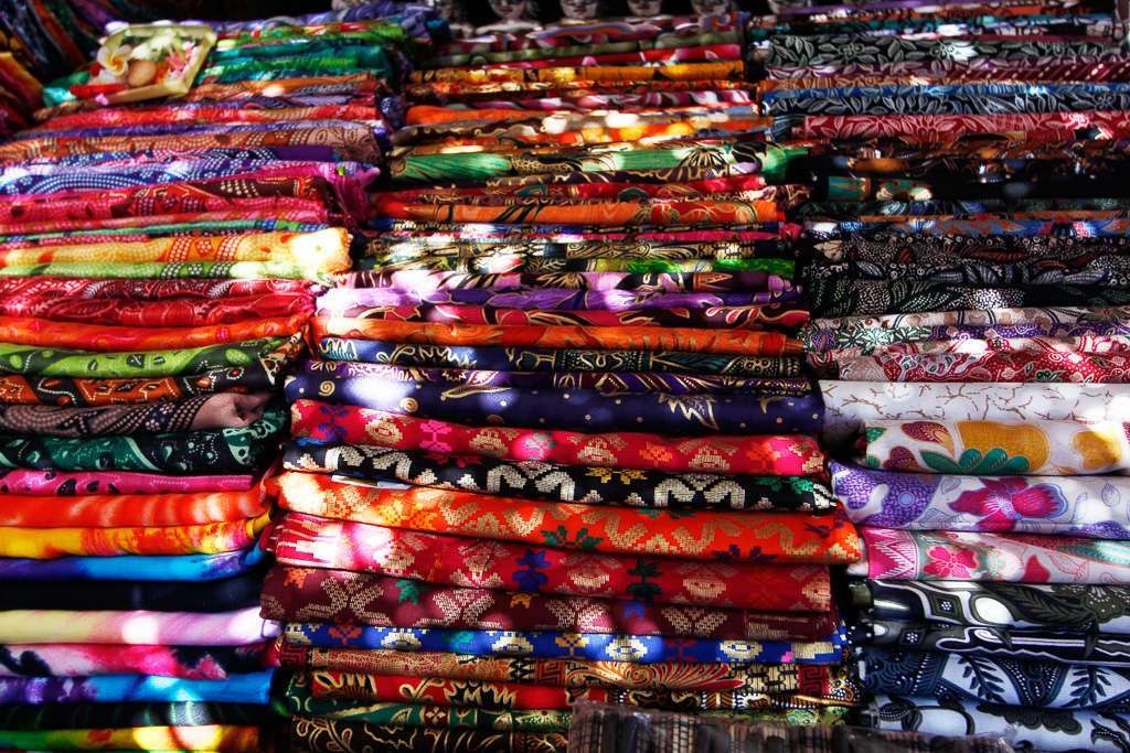 Sarongs en el mercado de Ubud