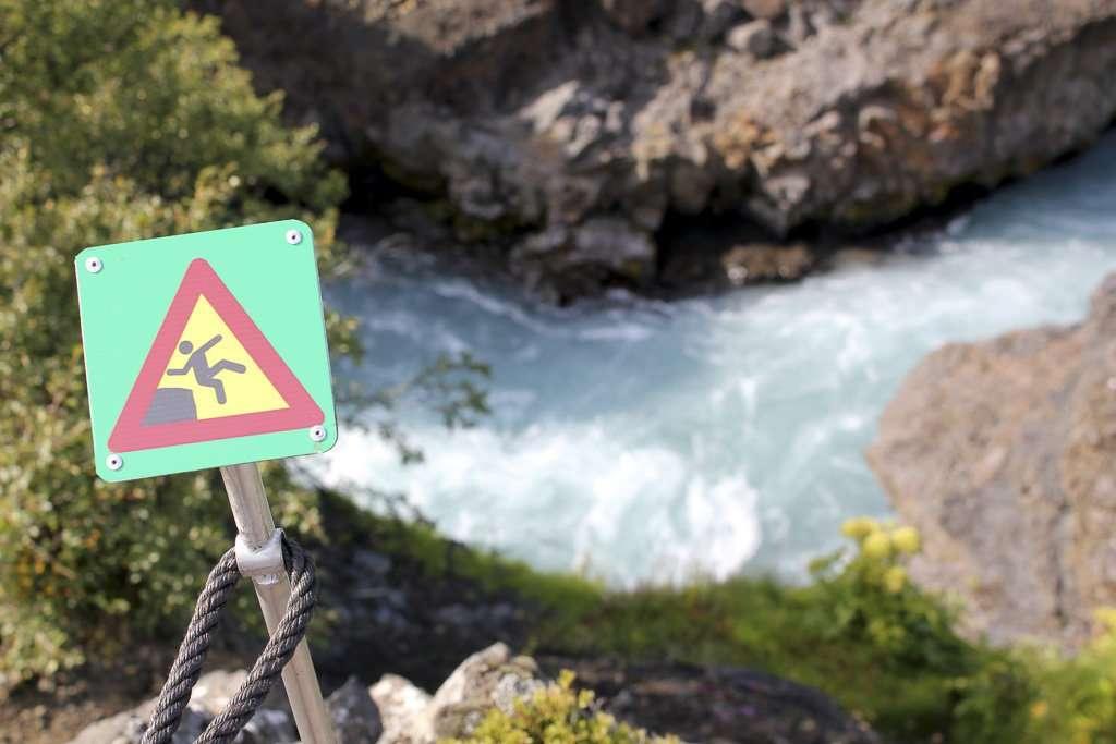 Señal de peligro de caída