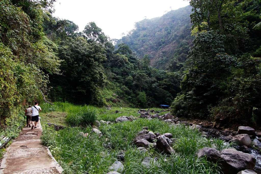 En el sendero a la cascada Madakaripura