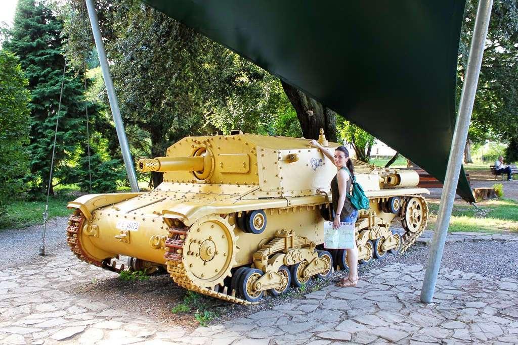 Tanque de la II Guerra Mundial en la Rocca (Bergamo)