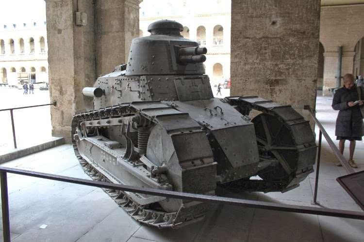 Tanque en el museo del ejercito de los Inválidos