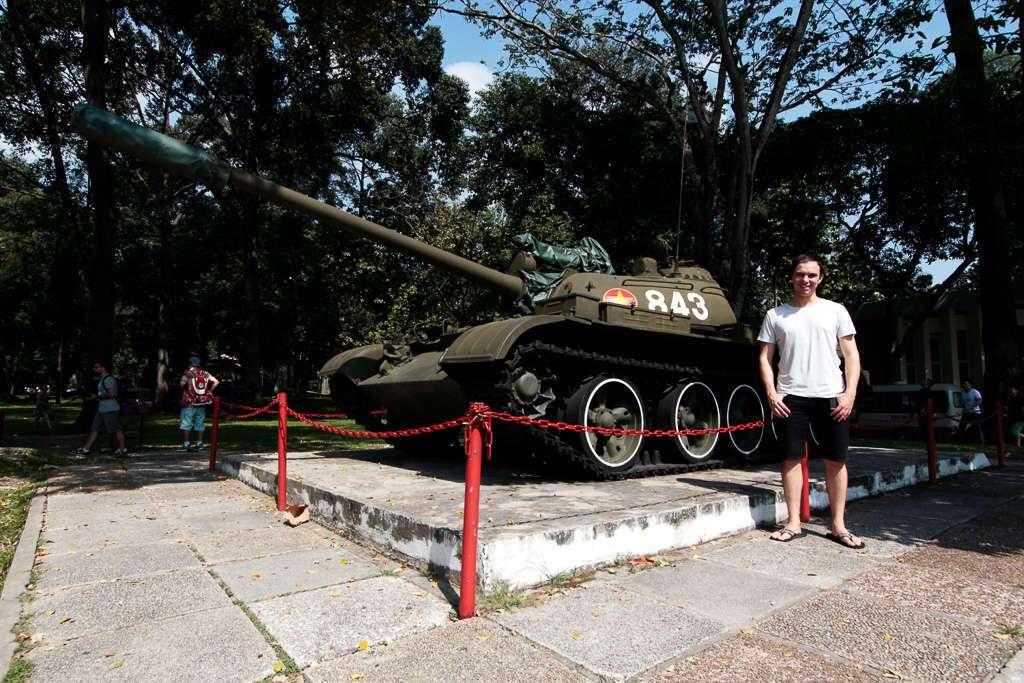 Tanque en el Palacio de la Reunificación de Ho Chi Minh