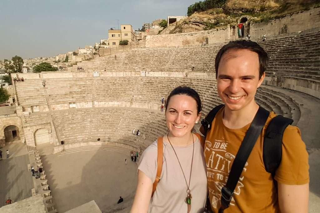 Alberto y Lena en el Teatro Romano de Amman