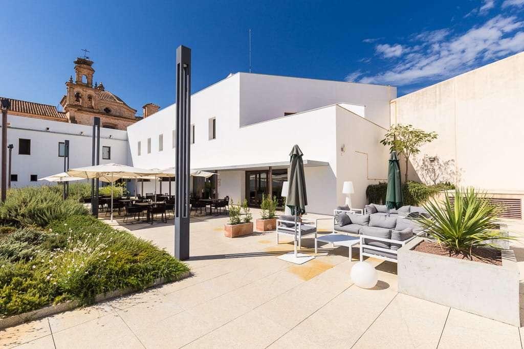 Terraza del restaurante Hotel Convento Aracena