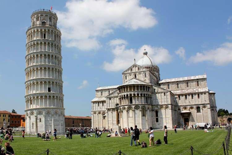 La Torre de Pisa y la Catedral (Pisa)