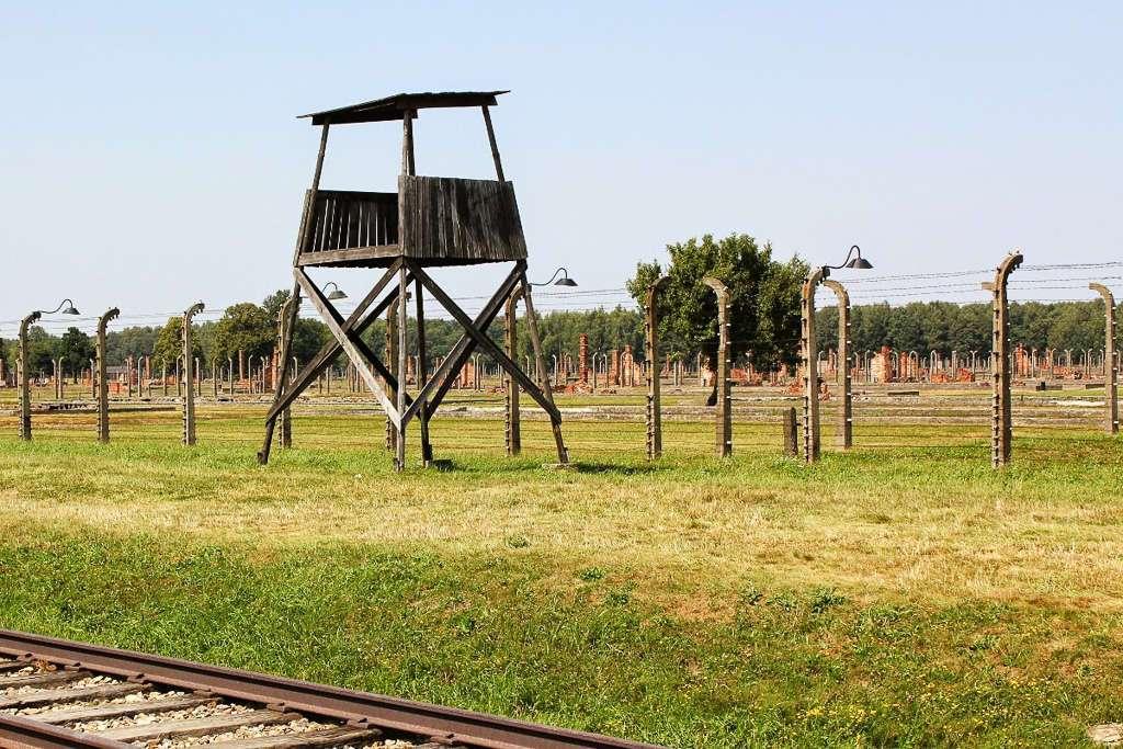 Torre de vigilancia Auschwitz II - Bikernau