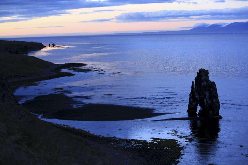 Hvítserkur, cerca de Hindisvík (península de Vatnsnes)