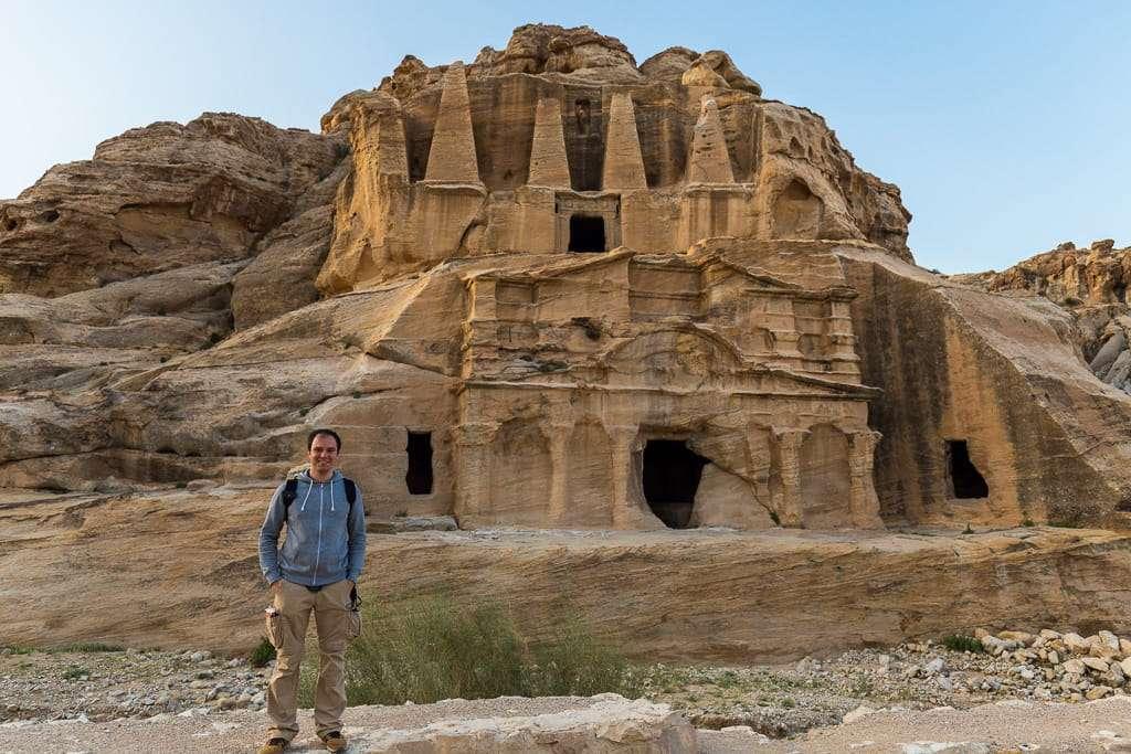 Tumba de los obeliscos en Petra, Jordania
