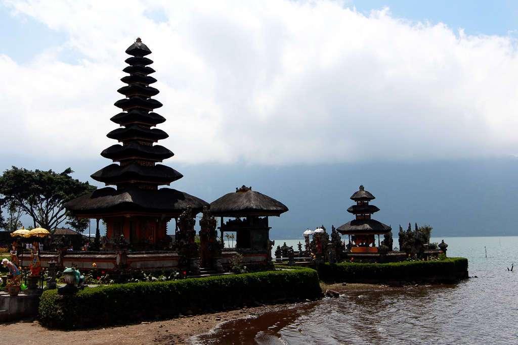 Los merus de Ulun Danu Bratan (Bali)