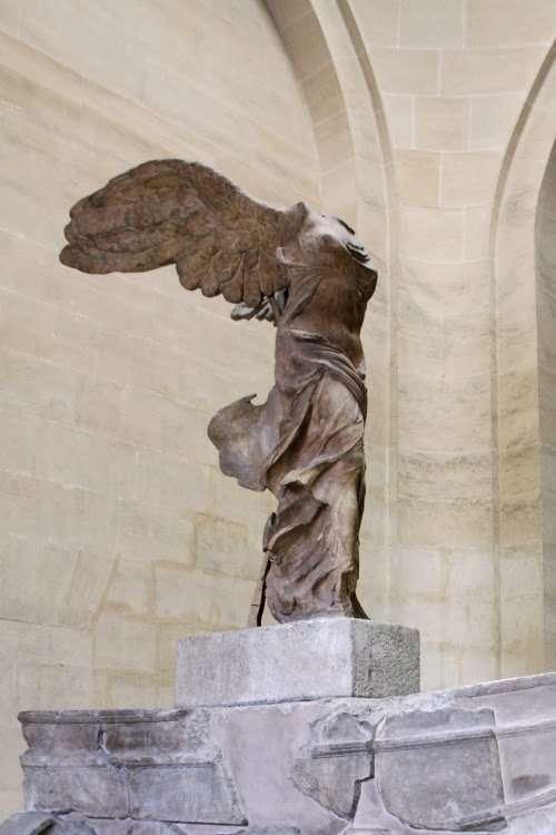 Victoria de Samotracia (El Louvre)