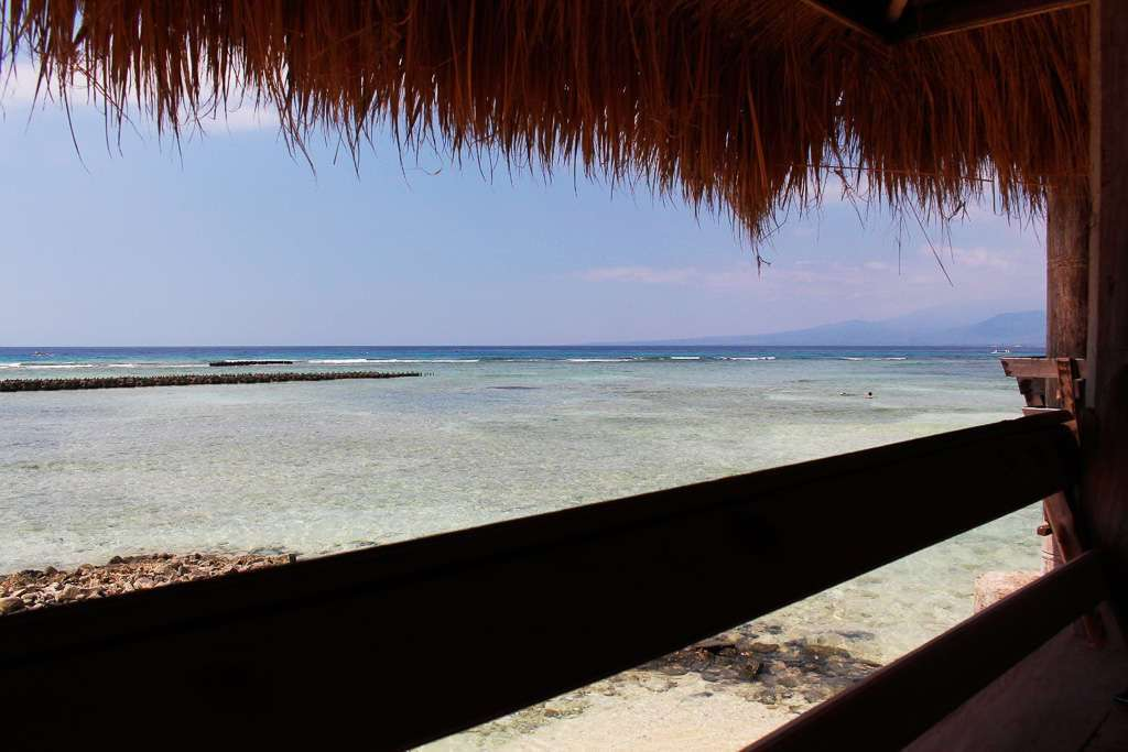 Vistas desde una de las cabañas del restaurante Coral Beach Pizza Cottage de Gili Trawangan