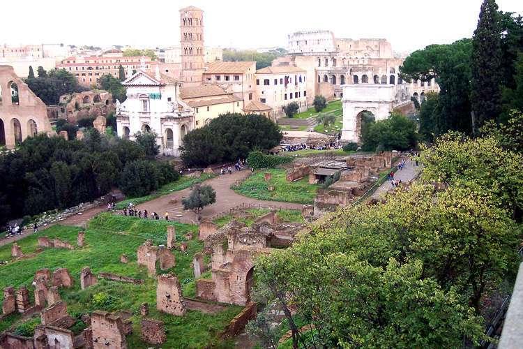Vista del Foro y del Coliseo